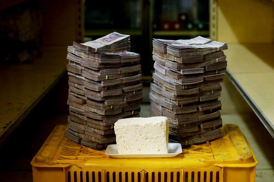 1 кг. сыра 7,5 млн. боливаров≈ 1,14 долларов