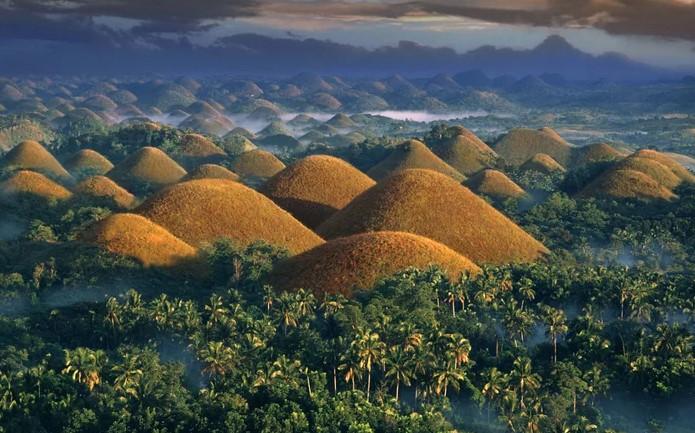 Шоколадные холмы