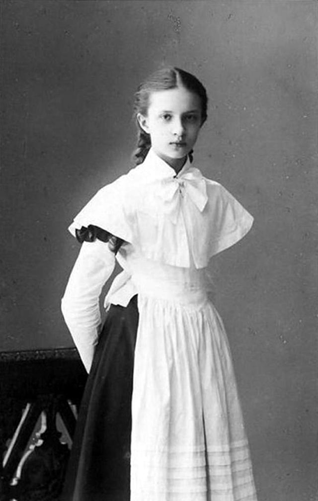 Ученица московской школы, 1910-е года