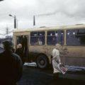 Норильск, автобусная остановка. 1993 год