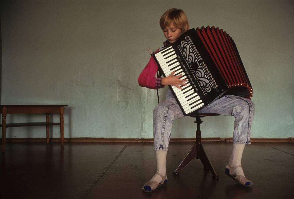 Порт Провидения, Берингов пролив. Занятия по классу аккордеона в музыкальной школе. 1991 год