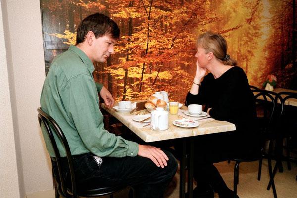 «Скучающие пары»: ироничное видение в фотопроекте Мартина Парра