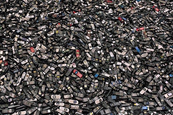 Культура потребления и её последствия в фотопроекте Криса Джордана