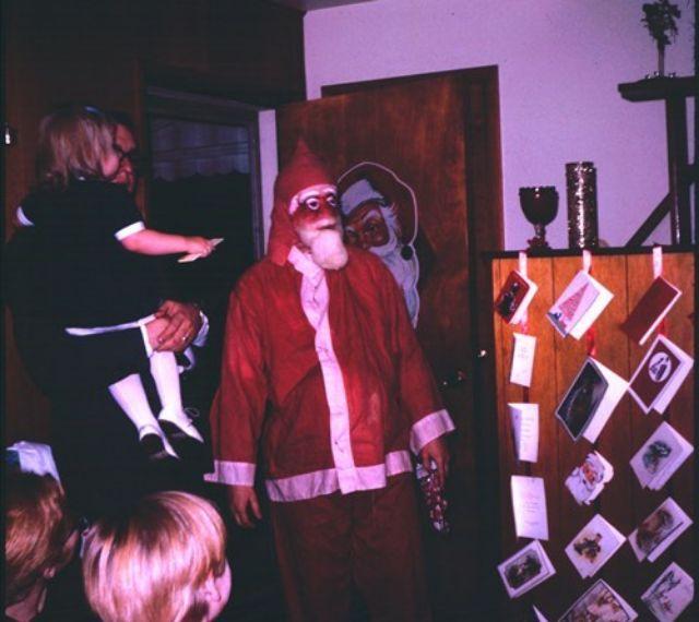 Жуткий Дед Мороз, к приходу которого детишки не были готовы