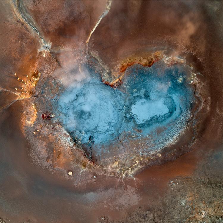 Геотермальный источник в Исландии