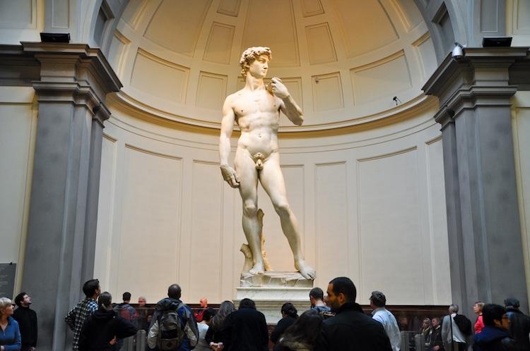 «Давид» Микеланджело: Galleria dell'Accademi, Флоренция (Италия)