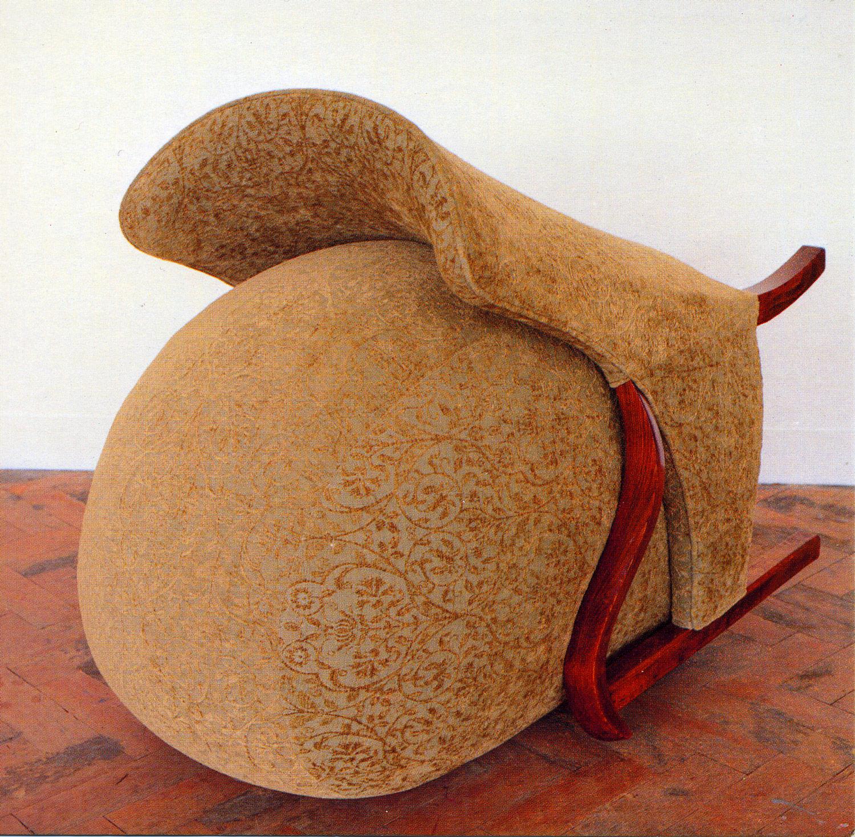 Для незваных гостей: сюрреалистическая мебель от Нины Сондерс