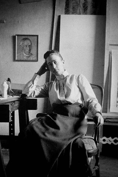 Хильма аф Клинт в своей студии