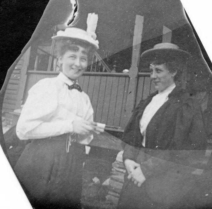 Находчивый шпион: редкие фотографии улыбающихся людей, живших в XIX веке