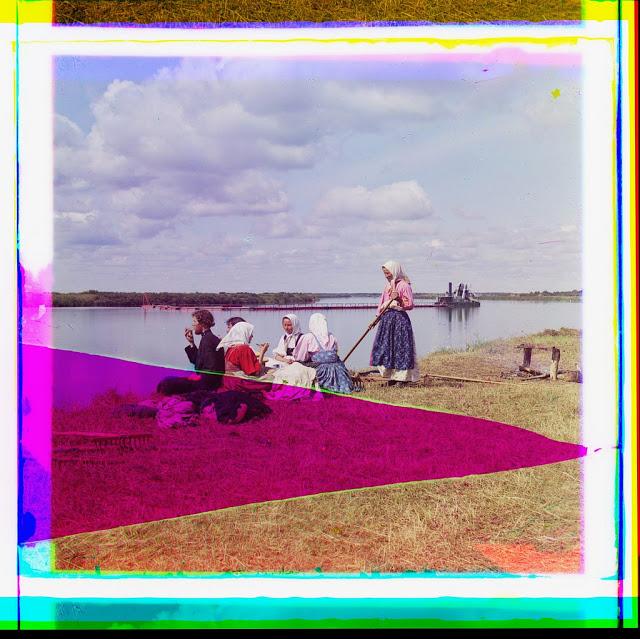 Женщины Российской империи в цветных фотографиях начала XX века