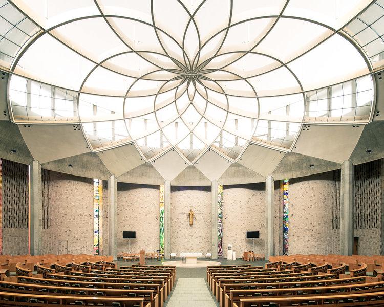 Церковь Святого Игнатия Лойолы в Токио, Япония