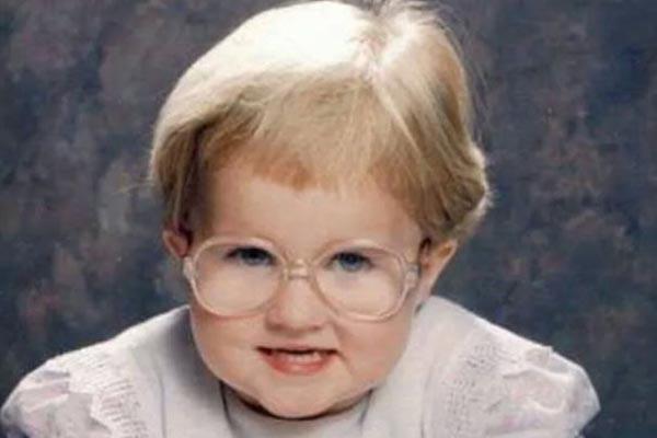 В 4 года я выглядела на все 60: весёлые детские фотографии от людей с бездонной самоиронией