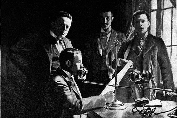 Телефонная газета и театрофон — успешные предшественники радио