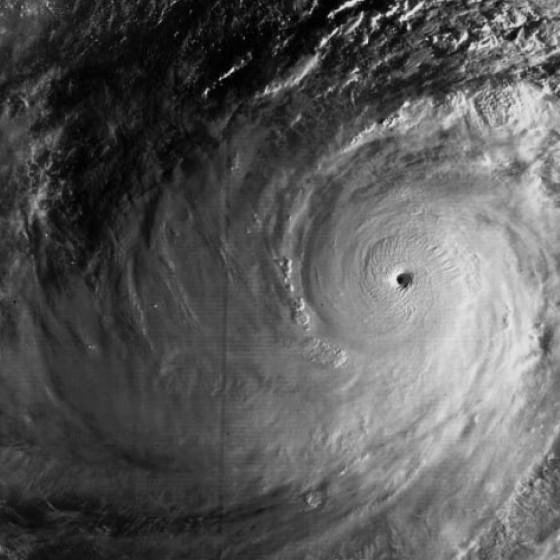 Тайфун «Тип» (1979 год) - наиболее интенсивный тропический циклон в истории человечества.