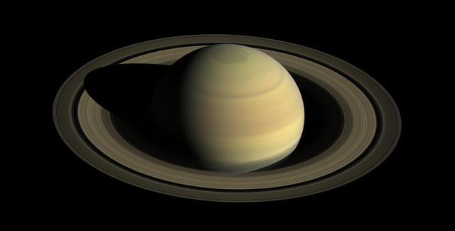 Сатурн, снятый космическим аппаратом «Кассини»