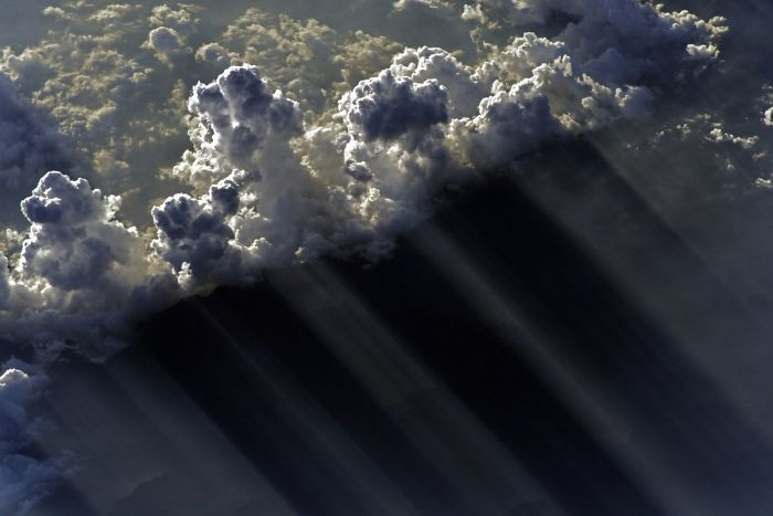 Тени от облаков на закате