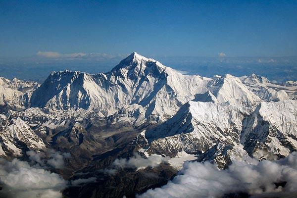 Величественный Эверест (Джомолунгма): 20 фактов о самой высокой горе на Земле