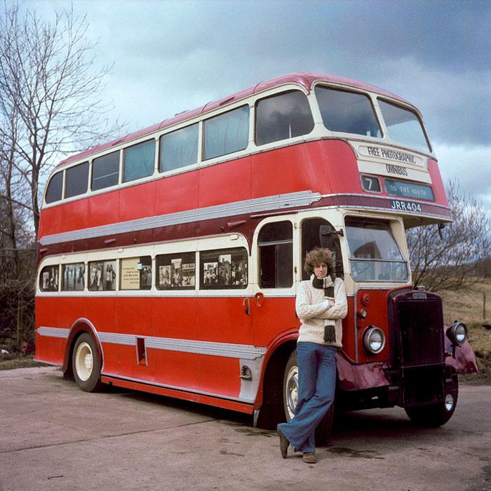 Дэниел Мидоуз и его автобус-студия