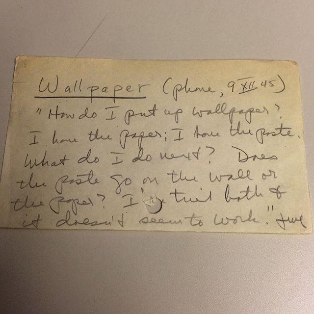 «Как мне поклеить обои? У меня есть обои и клей. Что мне делать дальше? Клей намазывать на стену или на бумагу? Я попробовал и так, и так, но похоже, не сработало», 1945 год