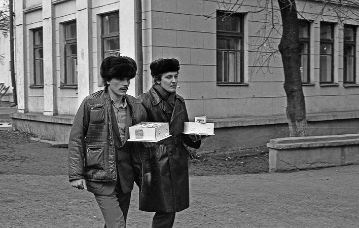 Джентльмены идут в гости, 1980 год