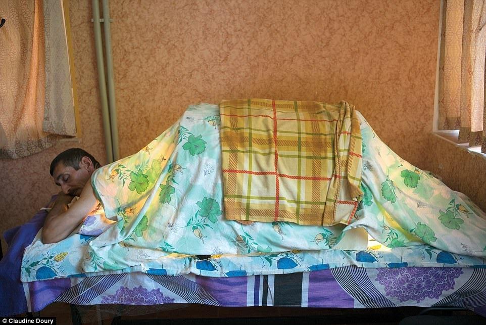 Сеанс люминотерапии в санатории в Нафталане