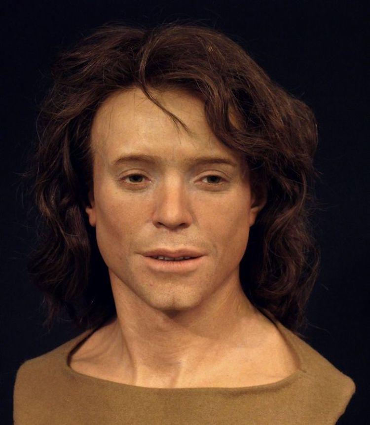 Молодой человек, живший в 8 веке н.э. Его череп был найден в Гренхене, Швейцария