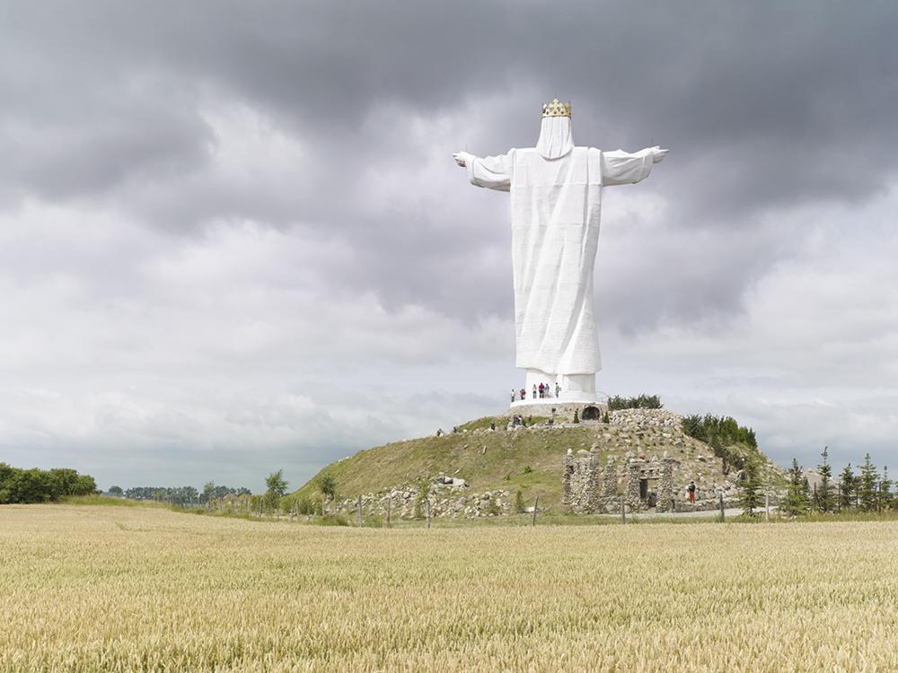 Статуя Христа Царя в Свебодзине, Польша. Высота статуи 36 метров