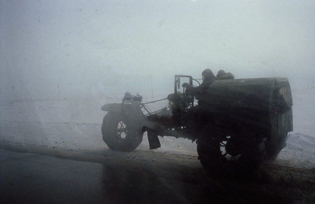 Снегоуборочная машина, собранная из подручных материалов