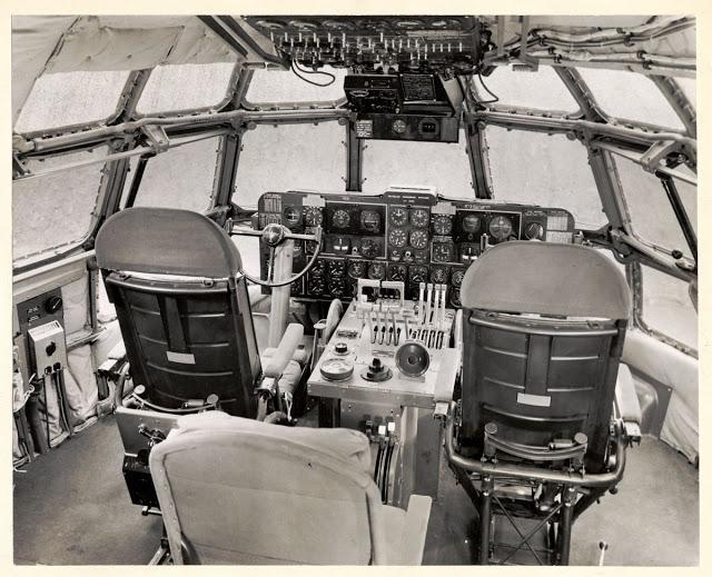 Кабина Boeing 377 Stratocruiser