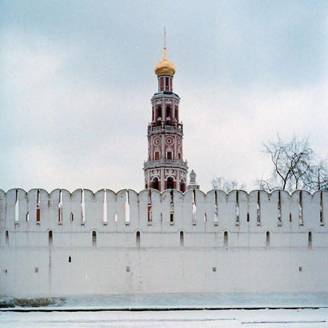 Москва, колокольня Новодевичьего монастыря