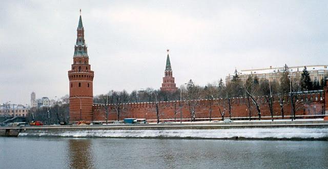Москва, стены Кремля