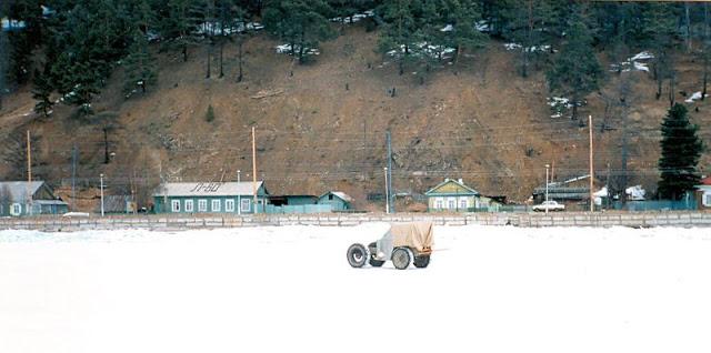 Иркутск, замёрзшее озеро Байкал