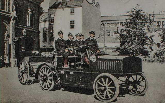 Первая пожарная машина с мотором в Хельсинки