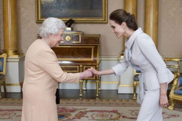 11 почётных членов Ордена Британской империи, не являющихся британцами
