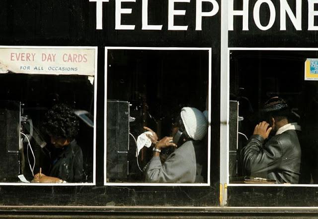 Телефонные будки, зарезервированые для афроамериканцев