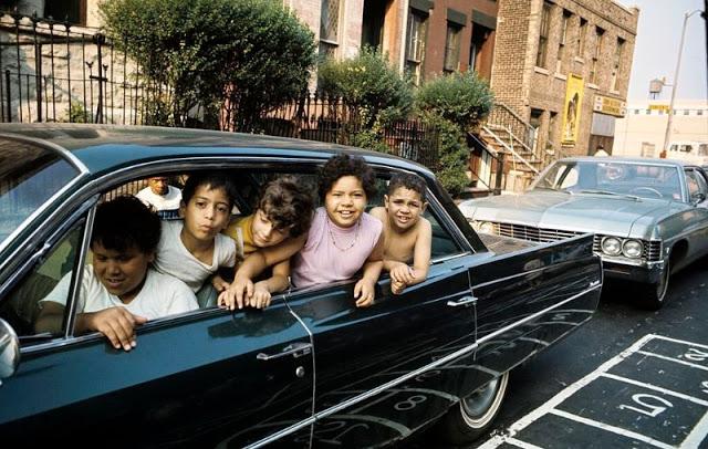 Пуэрториканские дети в машине