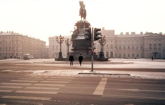 Ленинград, Исаакиевская площадь, памятник Николаю I