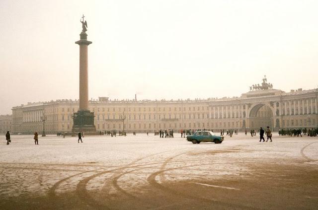Ленинград, Дворцовая площадь, Александровская колонна