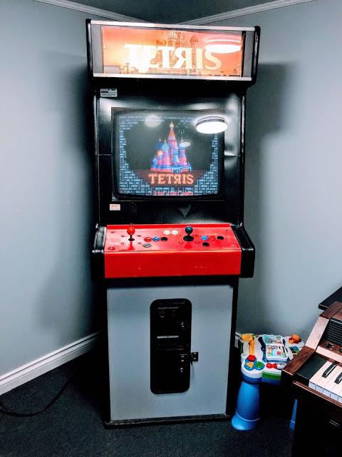 Игровой аппарат с тетрисом от Atari Games (1988)