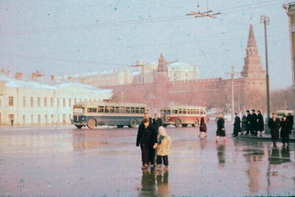 Интересные снимки улиц Москвы в середине 50-х годов