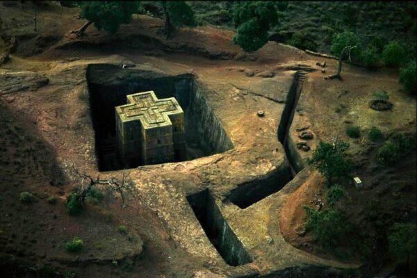 Высеченная в скале: удивительные фотографии Церкви Святого Георгия (Лалибела)
