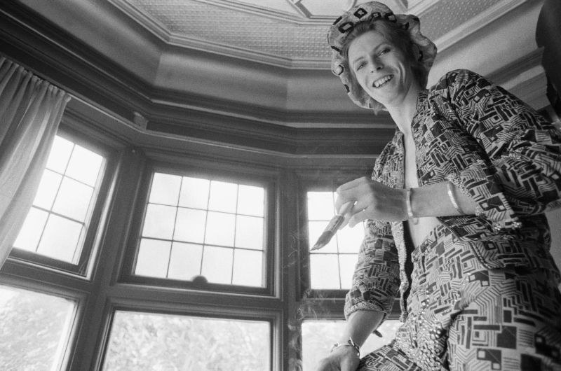 Фотографии молодого Дэвида Боуи в его доме в 1972 году