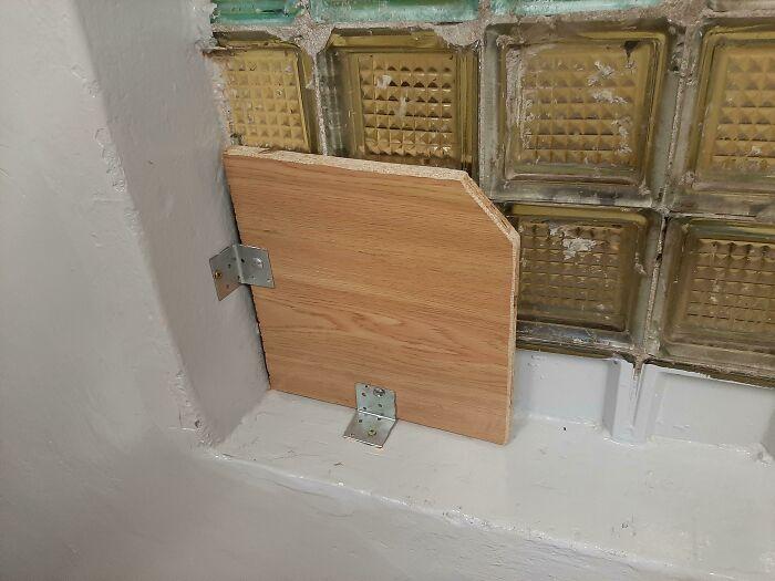 «В окне была дыра, и вот как наша школа решила это исправить»