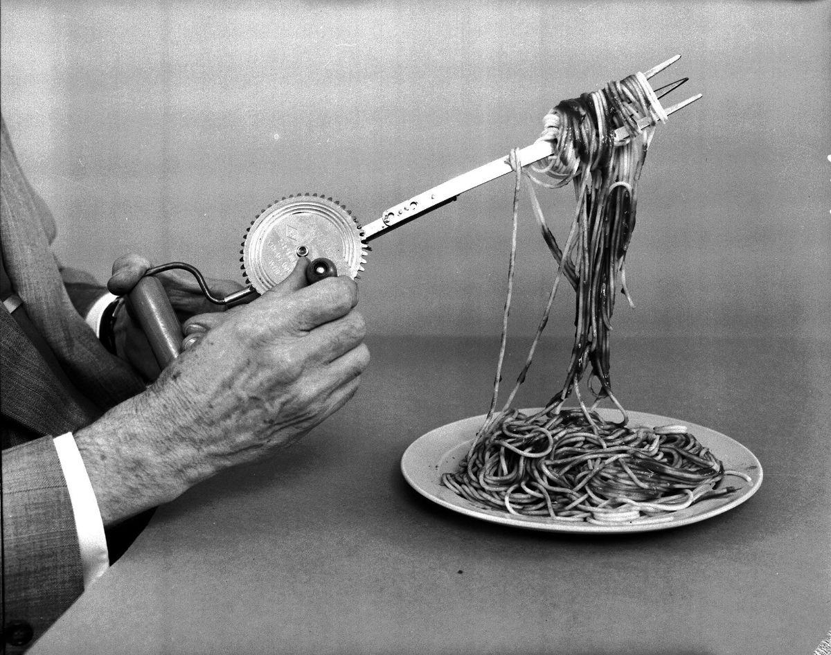 Крутящаяся вилка для спагетти