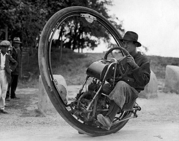 Одноколёсный мотоцикл