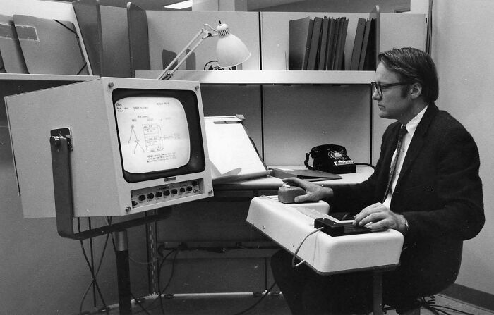 Первая публичная демонстрация компьютерной мыши