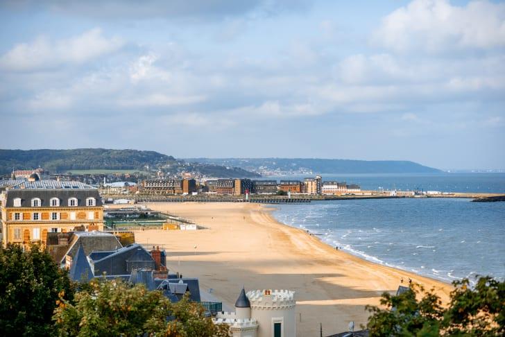 Пляж Довиль, Нормандия, Франция