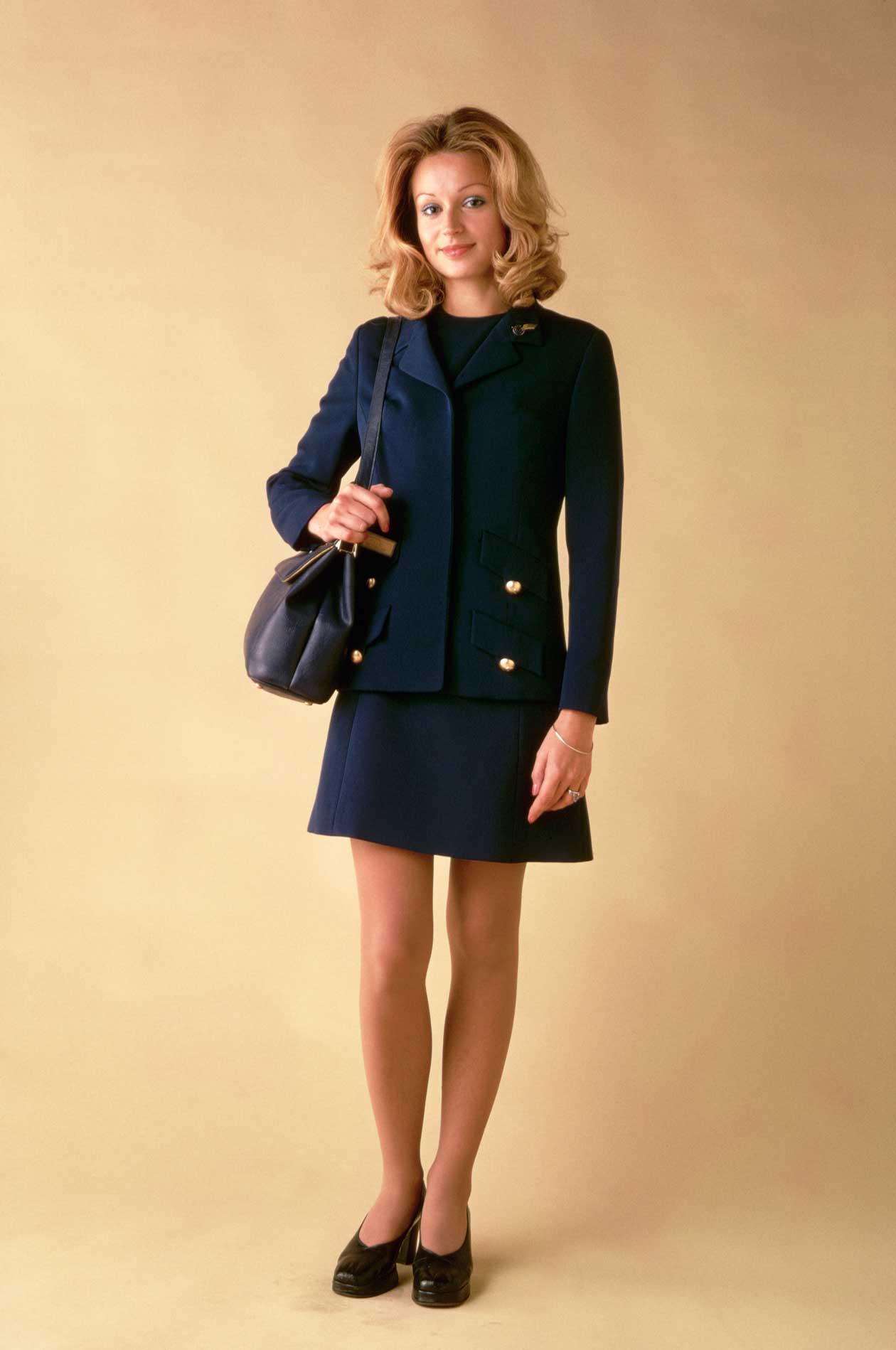Красивая униформа стюардесс 1970-х годов со всего мира