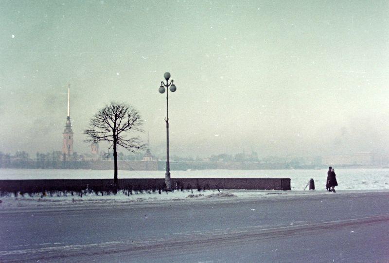 Петропавловская крепость с другого берега Невы, Санкт-Петербург