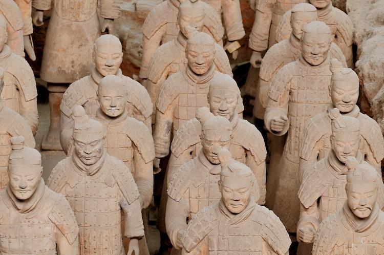 Статуи воинов терракотовой армии